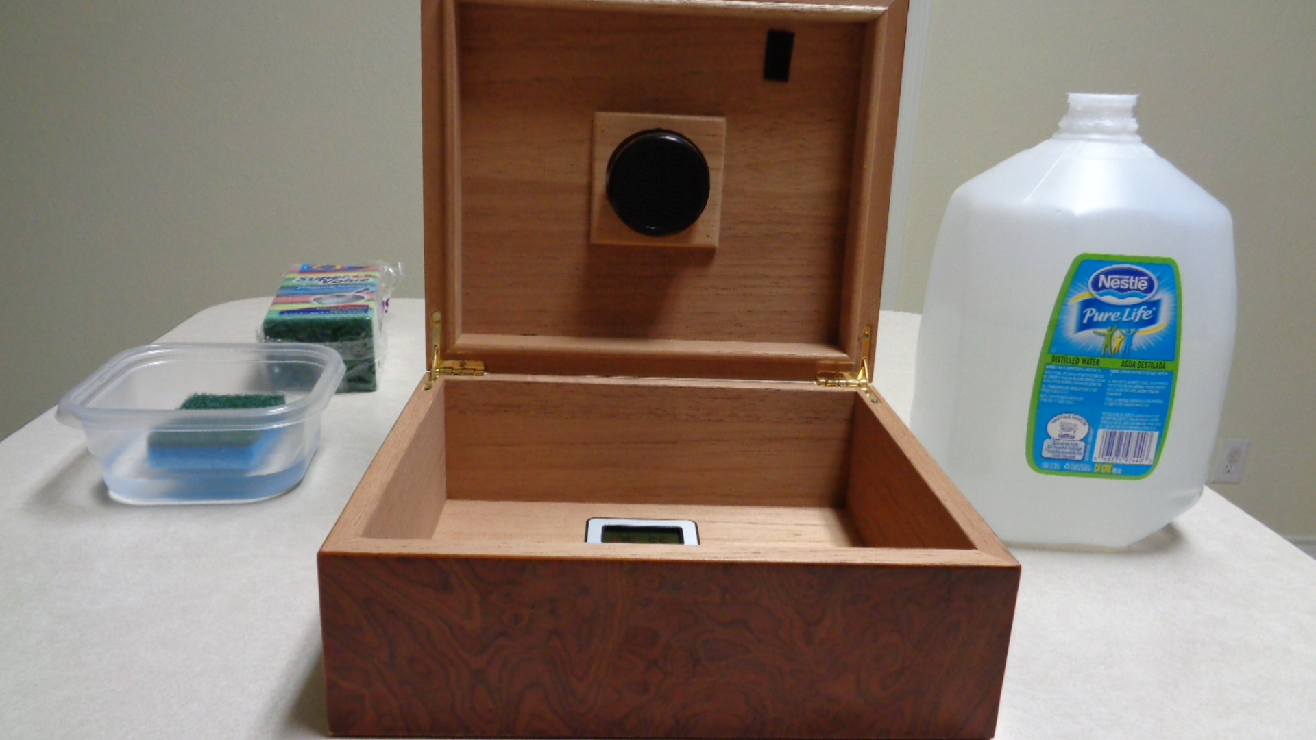 How to Properly Season (Prepare) Your Humidor at Home for First Time  #1775B3
